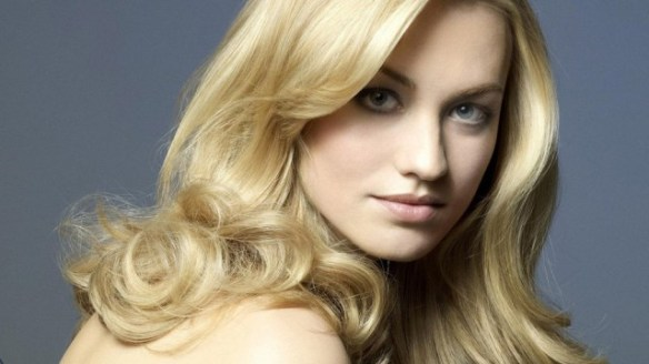 Yvonne-Strahovski-close-up-blue-1024x576